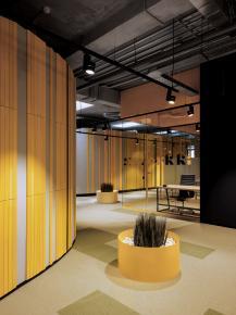 Co-working Space: Không gian rộng lớn năng động, sáng tạo.
